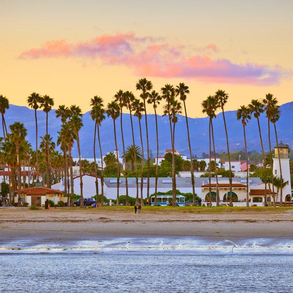 Los Angeles / pláže Santa Barbara - 208 km